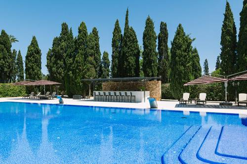 Agapanto pool bar son julia country house llucmajor